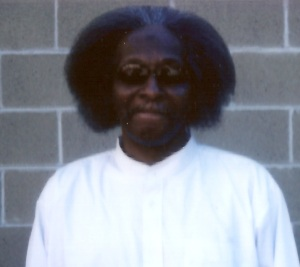 Maliki Shakur Latine in shades at Shawangunk Correctional in October 2015.